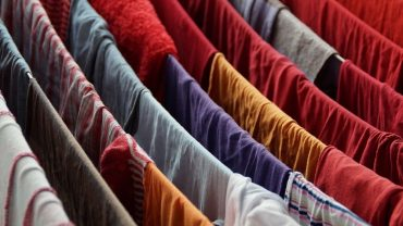 how to stop clothes smelling damp when drying indoors