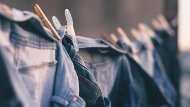 Tips for Drying Clothes Outside When It's Cold